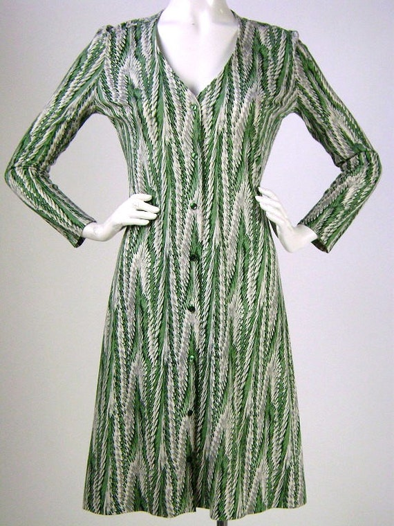 Chic Vintage 1970's Diane Von Furstenberg Green Dress