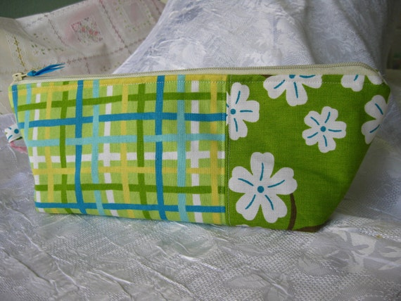 Travel Bag, Amy Butler Origami, storage, travel, cosmetics, lime, aqua, stripes, white flowers