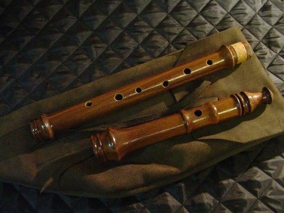 Heritage Music Keyless Irish Folk Flute Walnut Wood with Leather Woodwind Bag