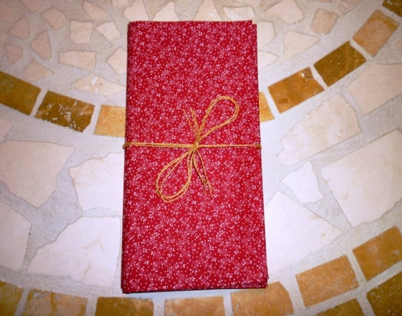 Cloth Dinner Napkins in Red Print - 18 x 18 - Set of 4 - Ready to Ship