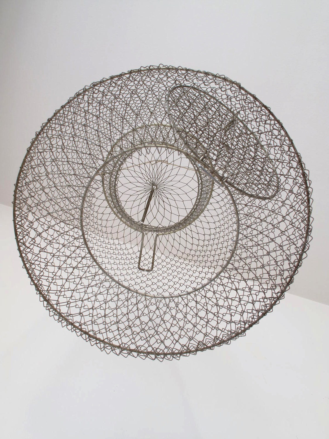 Vintage crab and lobster metal trap net for Fish trap net