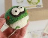 Needle felting frog kit
