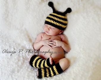 Download PDF crochet pattern - Bumble Bee hat and leg warmers