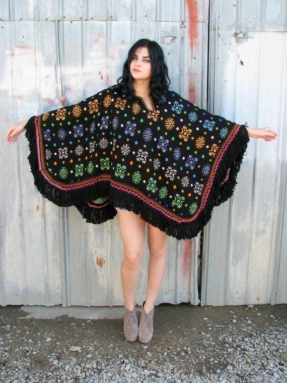 Vintage 1960s Hippie Authentic BLANKET PONCHO Southwestern