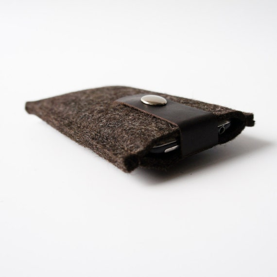 iPhone Case in Truffle Brown Felt and Leather SALE