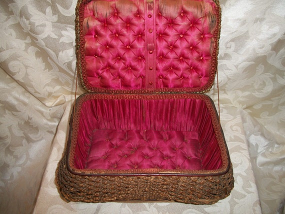 Antique 1920s Victorian Sewing Box