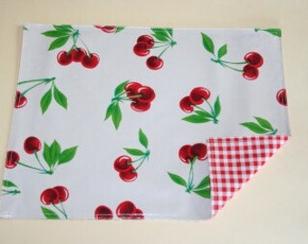 Cherry White Reversible Oilcloth Placemat