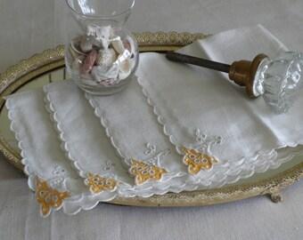 White vintage Linen Napkins four