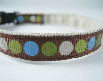 "Colorful Blue-Green Circles on Brown organic cotton 1/2"" collar"