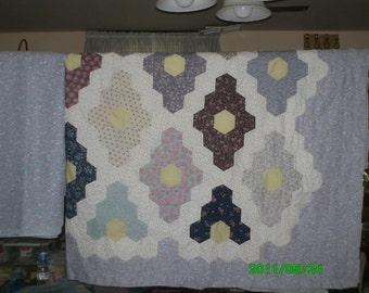 "Free Shipping!  Flower Garden Quilt Top and Backing in Lavender with Lavender Floral Back.  91x113""."