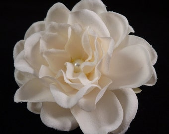 Bridal Ivory Flower with Swarovski Pearl, Bridal Headpiece, Wedding Hair Comb, Bridal Hair Pin, Ivory Gardenia Bridal Hair Clip