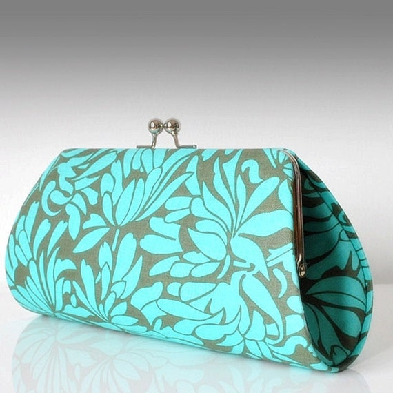 Daisy Bouquet in Forest..Large Clutch Purse