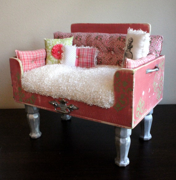 Dog beds exquisite pet loungers just peachie by for Schon diy shabby chic pet bed