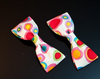 4pcs- 100mmX42mm Round print cotton fabric ribbon bow-White(B156)