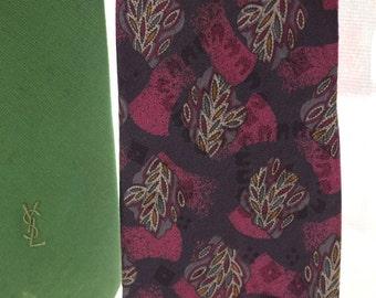 SALE, SALE... Vintage Guy Laroche Couture silk neck tie