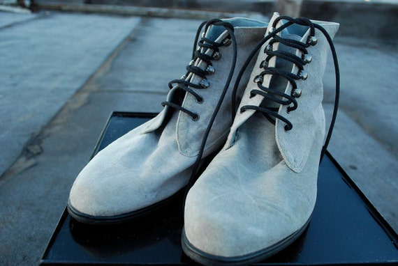 Gorgeous Gray Lace Up Boots size 9