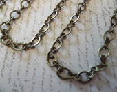 Antique Brass Figure 8, Mixed Peanut & Oval Link Chain 5mm X 4mm - Qty 1 meter strand (39 inches)
