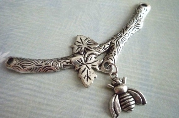Large Leafy Branch with Hanging Bee Connector Pendant in Antiqued Silver Qty 1