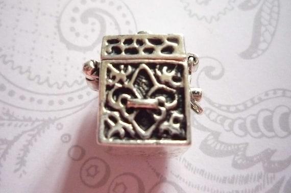 Fleur de Lis Square Prayer Box Locket in Antiqued Silver Three Dimensional Pendant Charm Qty 1