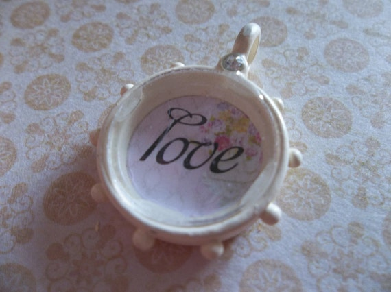Cottage Chic Ivory Trinket Love Pendant with Shabby Flower Wallpaper under Acrylic Glass - Qty 1