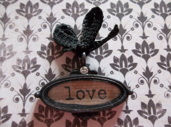 French Market Black Trinket Love Text Pendant with Acrylic Glass and Bow - Qty 1