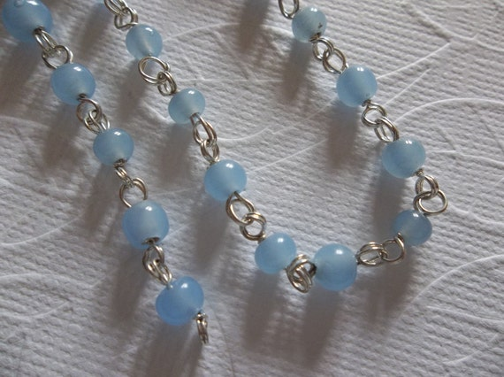Opaque Opal Blue Glass 4mm Beaded Linked Bead Silver Chain - Qty 1 meter (approx. 39 inches)