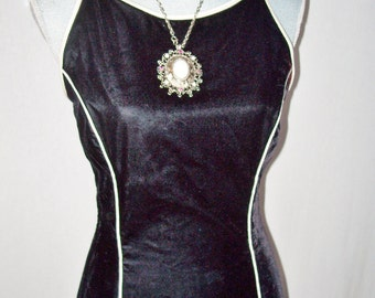 Jessica McClintock Gunne Sax Black Velvet Gown
