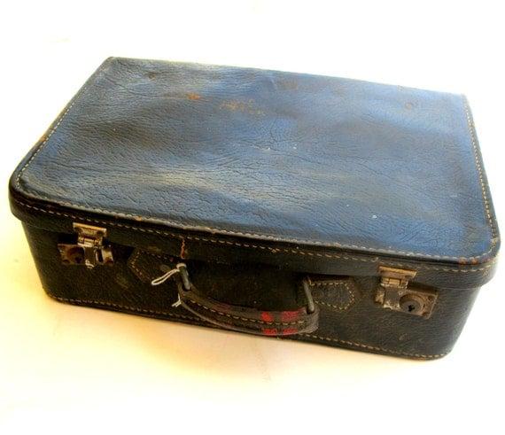 Antique distressed small Suitcase