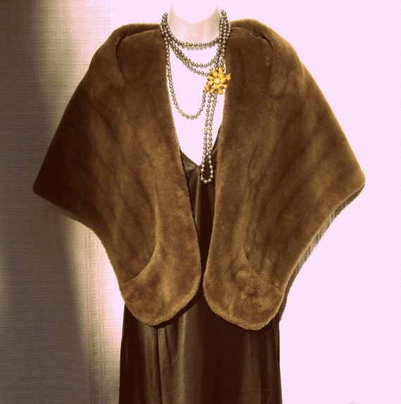 Faux Fur Stole Wrap with Satin Lining Vintage 50s Jacket LBD Accessory