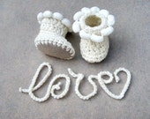 White Baby Shoes Newborn booties Newborn boots Photo prop, Baby booties, Crochet baby shoes, gift for baby, white Baby boots, Love