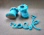 Turquoise Baby booties Newborn boots Newborn Shoes Baby Photo prop Crochet baby shoes Infants rock booties Baby gift, newborn booties