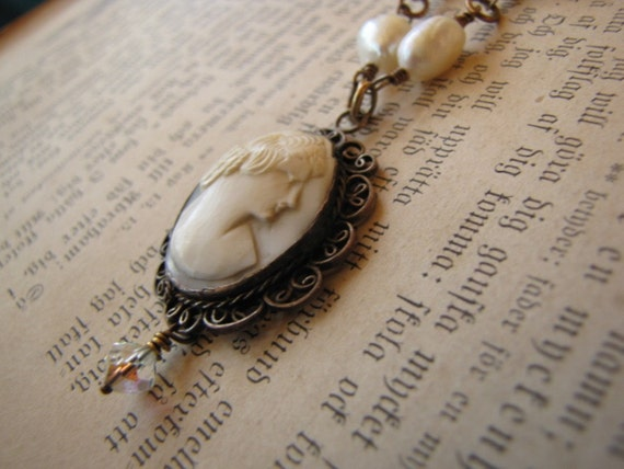 Cameo, Pearls, Vintage, Shabby Chic Necklace