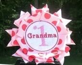Number One Grandma pin back badge