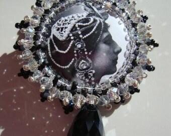 Mata Hari Glam Brooch