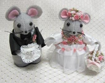 Handmade Custom Flower Girl and Ring Bearer Mouse Wedding Ornament