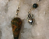 Green Gold Red Faceted Fancy Jasper Crystal Healing Pendulum Antique Silver Flower Heart Great Gift