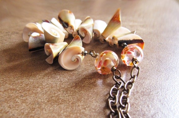 Beach Romance Necklace - Artisan Lampwork Glass and Shells