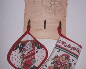 Towel Hooks - Key Holder - A pyrography flowers design in a papyrus