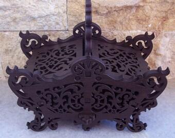 Classic wood basket