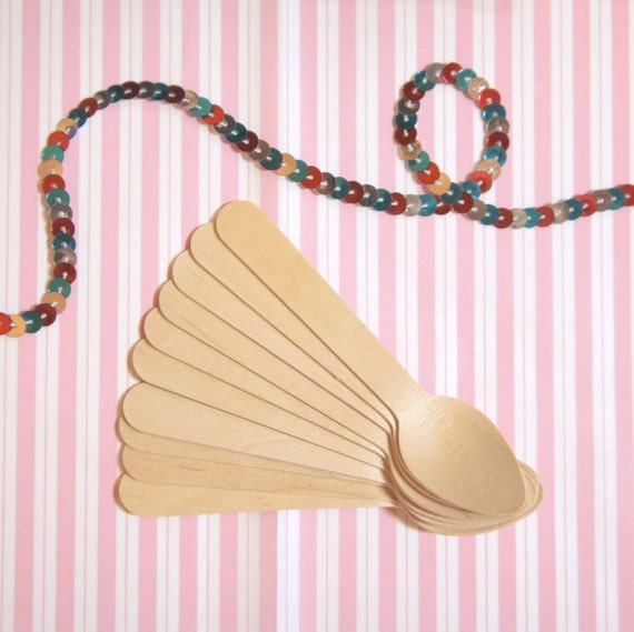 20 DIY Wooden Spoons for Ice Cream