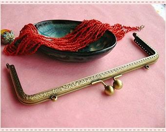 19.5cm(7 1/2 inch) fancy embossed rectangle metal purse frame (antique brass color)-1piece
