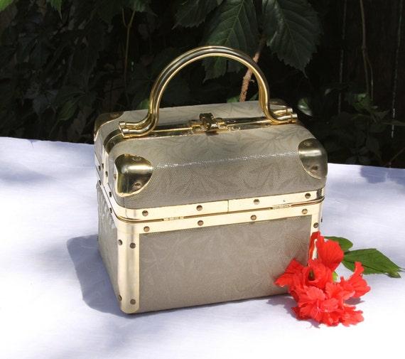 Chic Lisette of New York Faux Snakeskin Box Bag