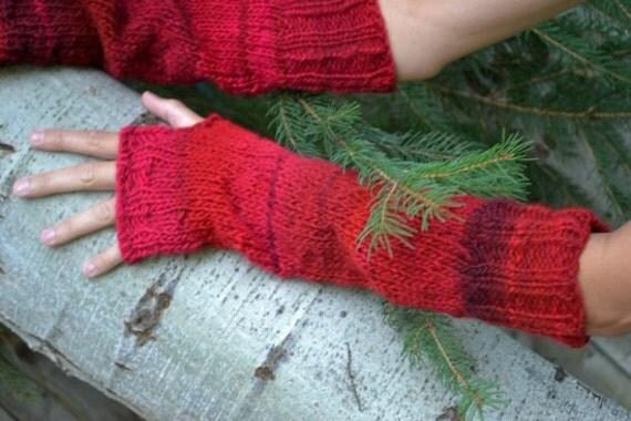 Artist Gloves in Reds 327