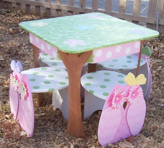 Owl Table and 2 Chair Set