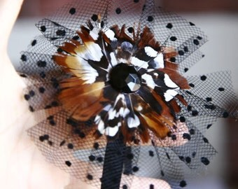 Feather Flower Stretch Headband Clip Hair Fascinator With Black Tule For Weddings Events Parties Bridal Wear Bridesmaids Gift Sweet 16 Prom