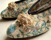 DAINTY DANCING SHOES ANTIQUE CHINOISERIE EMBROIDERED SILK