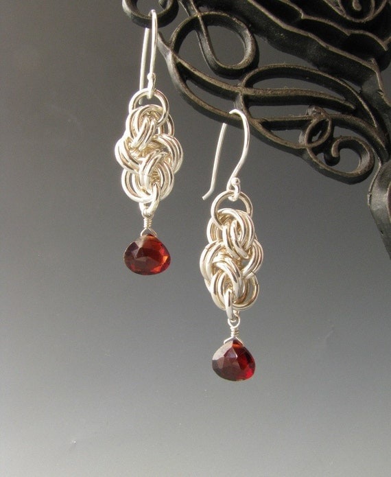 Basket Weave Chainmaille Tutorial : Cloud cover chain maille earrings with garnet