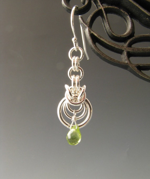 Byzantine Ripple Chain Mail Earrings with Peridot