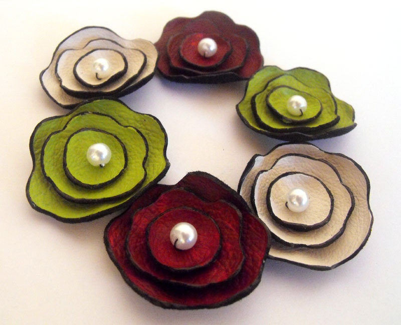 Leather craft flowers 6 pcs by hmcreativesupplies on etsy for Leather flowers for crafts
