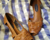 1980's Tan Leather Basket Weave Sandals